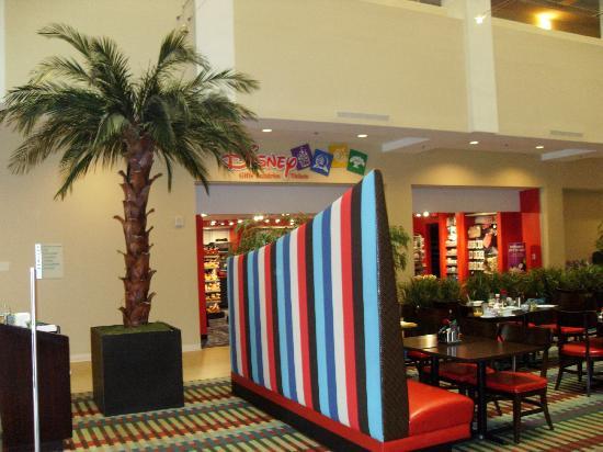 Holiday Inn Orlando – Disney Springs Area: restaurant