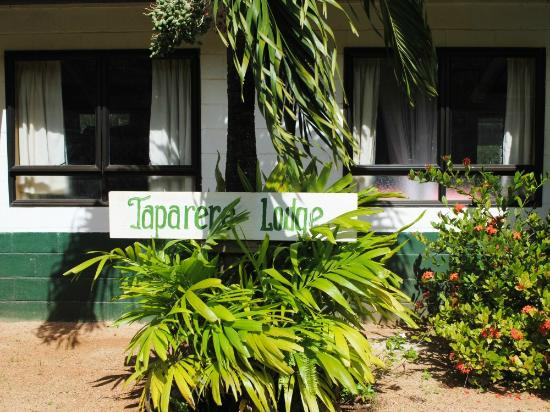 Exterior Entrance Taparere Lodge