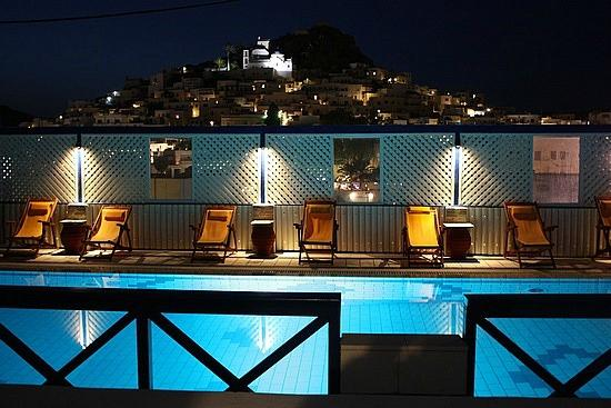 Marcos Village Hotel : swimming pool with chora view