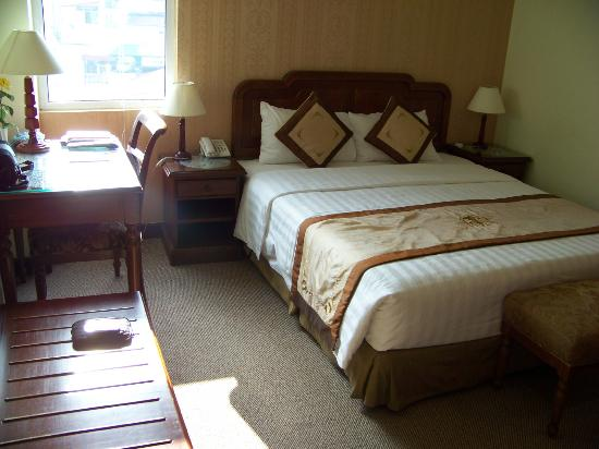 Park View Hue Hotel: Typical Room