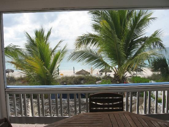 سيبونيه بيتش هوتل: View from beachfront suite screened patio