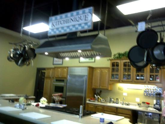 Kitchenique kitchen; wish I had one like this at my house!