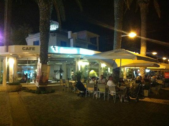 Seagull Restaurant: Restaurant Seagull by night