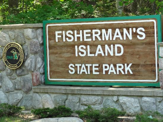 Fisherman's Island State Park: Welcoming Sign