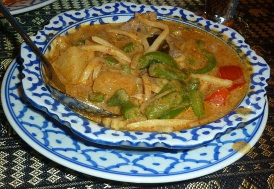 Mango Salad: Red Curry with Chicken