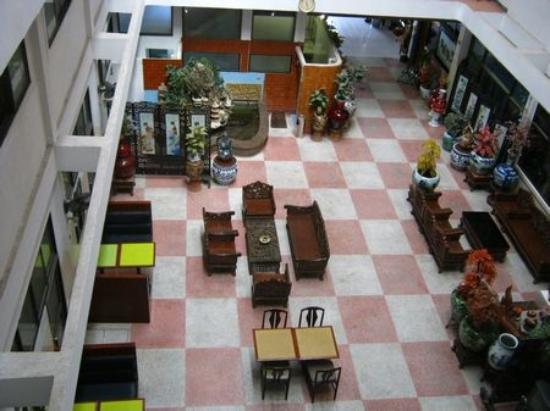 Thairungruang Hotel: View of ground floor
