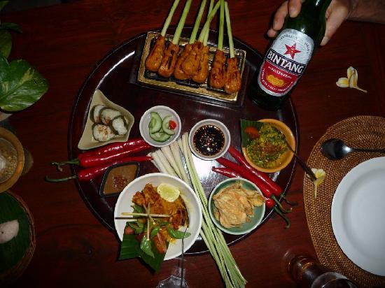 Bumbu Bali: Main course presentation
