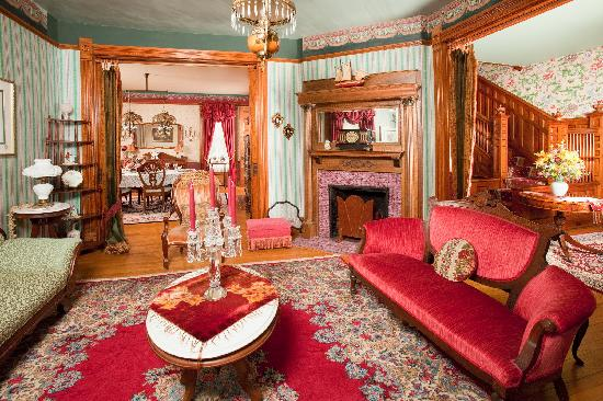 The Hayman House: Lavish formal parlor