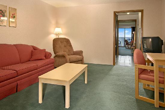 Bavarian Haus Lakefront Inn: Two Room Suite