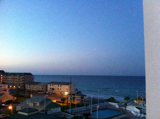 Surfside Resort: View at 5:30am from Room 507