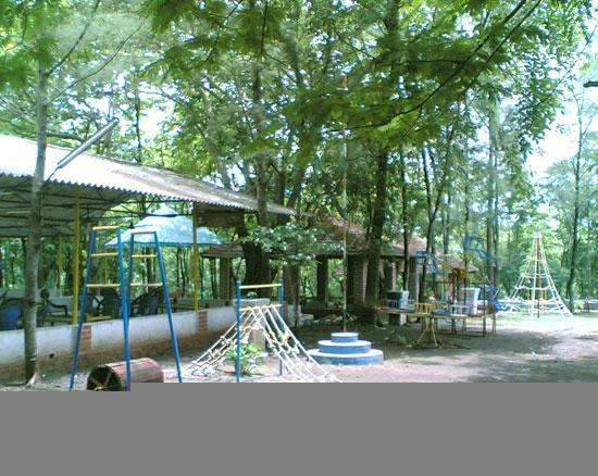 Harshgiri Lake Resort: play area