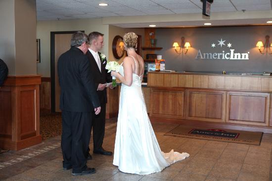 AmericInn Chanhassen: post ceremony