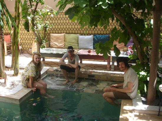Riad So Cheap So Chic : Relaxen am Pool