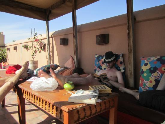 Riad So Cheap So Chic : Relaxen auf der Dachterrasse