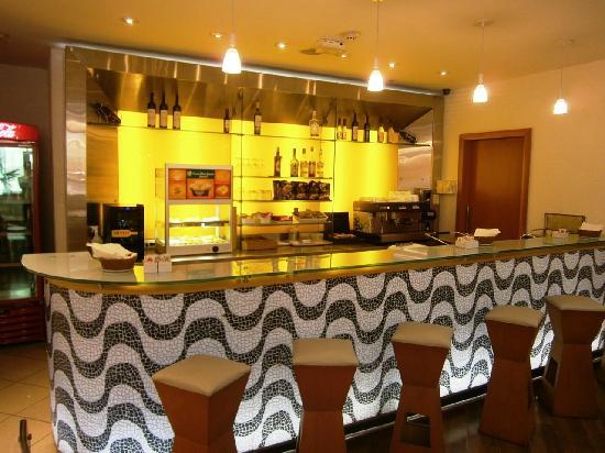Ibis Rio de Janeiro Santos Dumont: Bar
