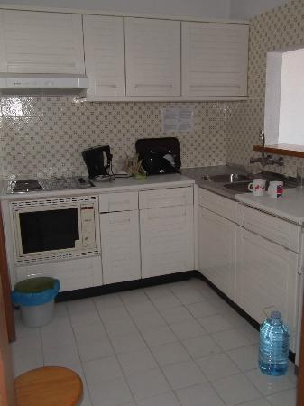 Hotel Almar: The well equipped kitchen