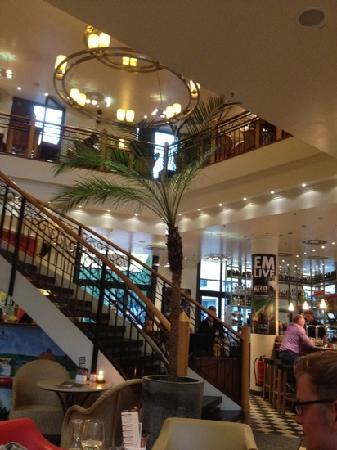 Cafe & Bar Celona: great decor