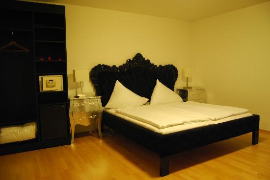Vox Design Hotel: Мега-кровать