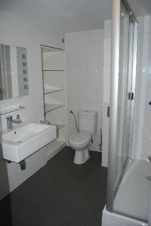 Vox Design Hotel: Ванная комната