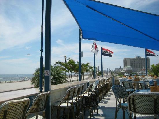 rooney 39 s ocean front restaurant picture of ocean place. Black Bedroom Furniture Sets. Home Design Ideas
