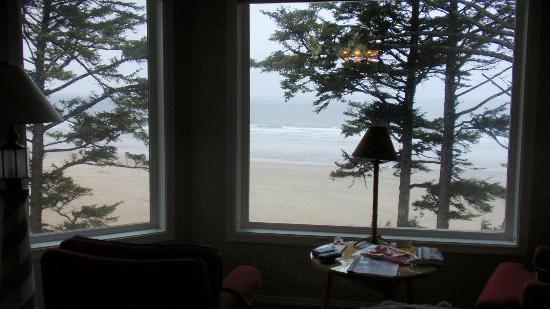 Tyee Lodge : View of the beach from the Yaquina Room