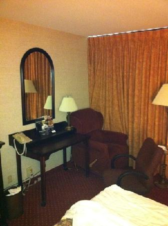 Drury Inn & Suites Atlanta Marietta: hotel room