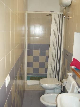 Assisi Hotel : Salle de bains