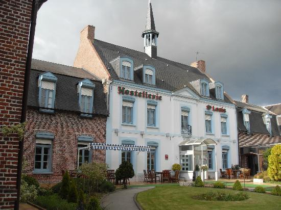 Hostellerie Saint Louis: Hotel front view