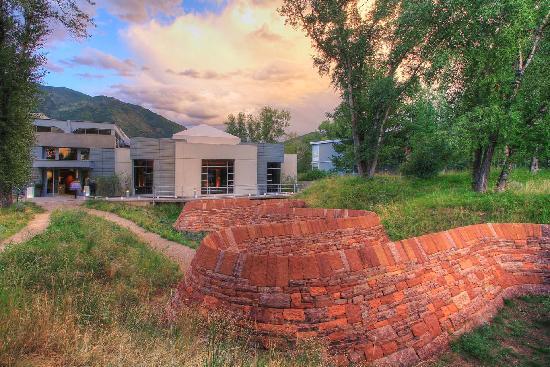 Aspen Meadows Resort: Doerr-Hosier Center