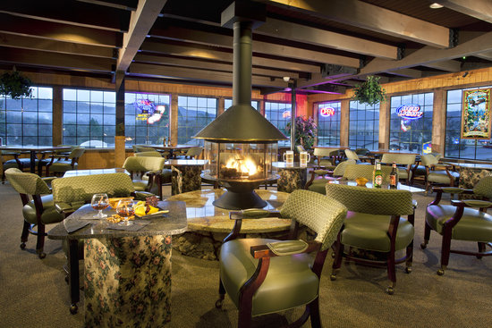 Yosemite Gateway Restaurant: The Lounge
