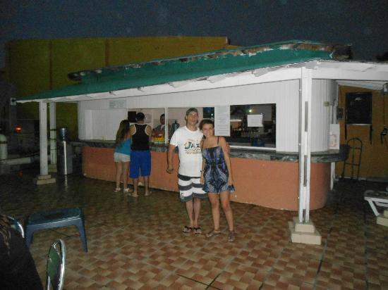 Hotel Blue Tone : BAR PISCINA