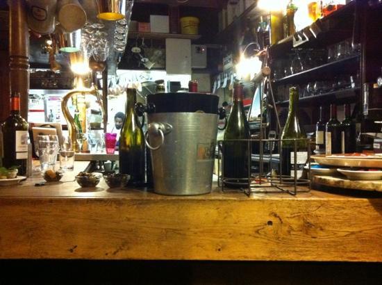 Le Bistro de Oies : the bar