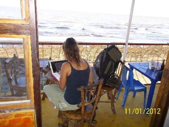 Restaurante El Navegante: Wi-Fi available / Wi-Fi disponible