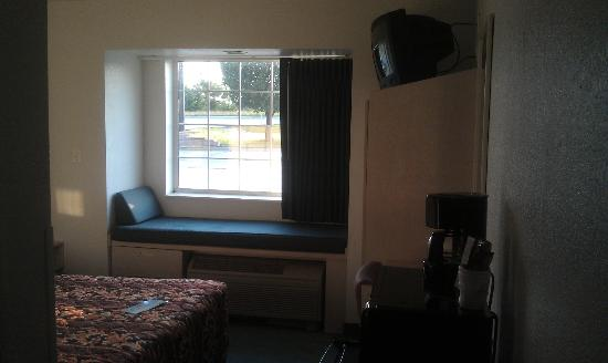 Days Inn Pryor: Room