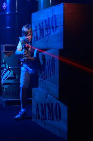 Family Fun Center : Laser tag arena
