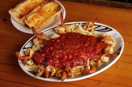 Village Inn Pizzeria: Shrimp Fra Diavilo