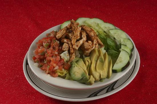 Village Inn Pizzeria: Southwest Chicken Salad