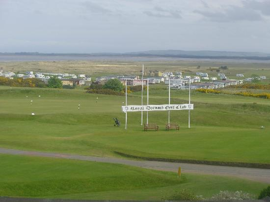 Royal Golf Hotel: View of golf course and beach from our window