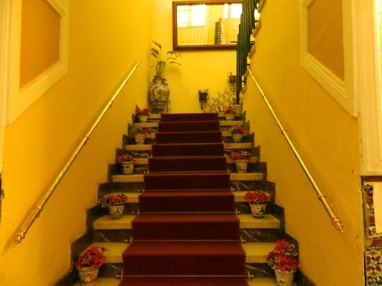 Hostal Sierpes: escalier à monter