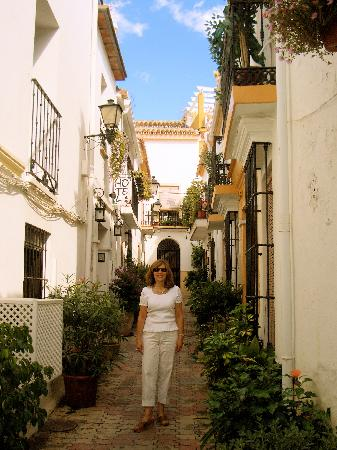 Hotel La Morada Mas Hermosa: Located down a beautiful street in Old Town Marbella!