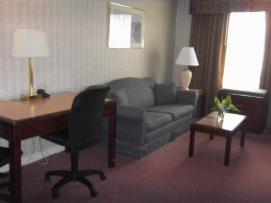 Extended Stay Canada - Toronto - Vaughan: Living room area