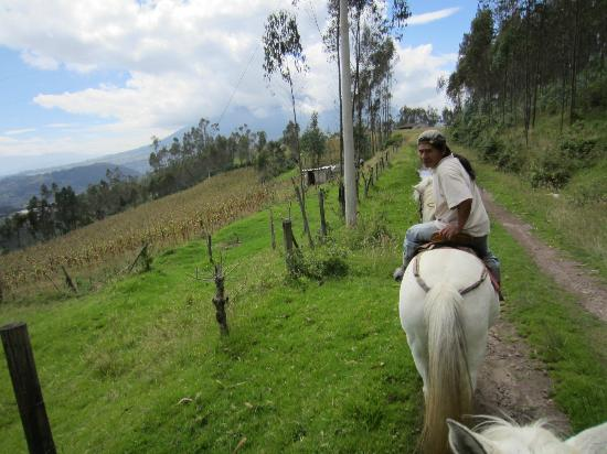 Ali Shungu Mountaintop Lodge: Horseback riding with Jose Maria