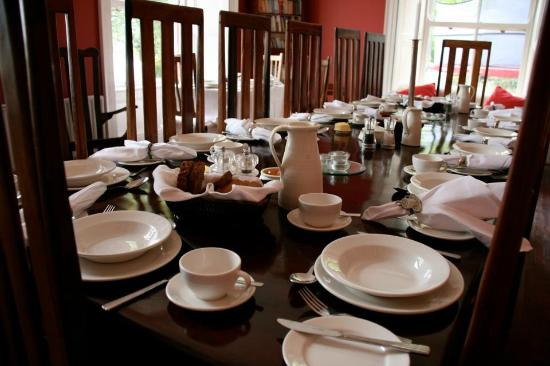 Barnabrow Country House: Our breakfast table is stunning
