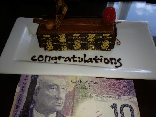 The Ritz-Carlton, Toronto: birthday cake for 7 people