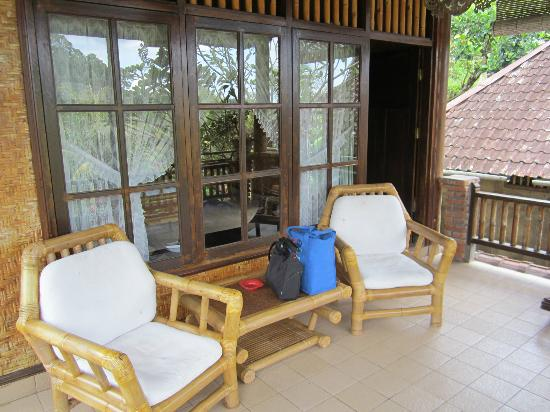 Puri Sawah Bungalows : veranda