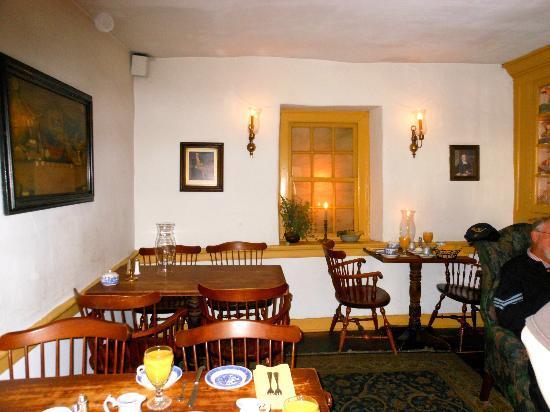 Gettystown Inn Bed & Breakfast: Breakfast Room - Dobbins House