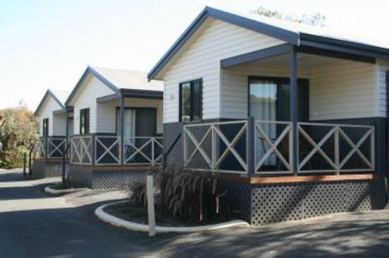 Riverside Cabin Park: two bedroom cabin