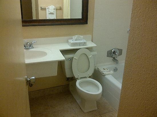 Toilet Met Douche : Toilet douche picture of the barrymore hotel tampa riverwalk