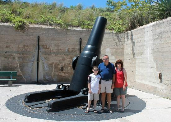 Fort De Soto Park: One of the artillery pieces found at the fort.