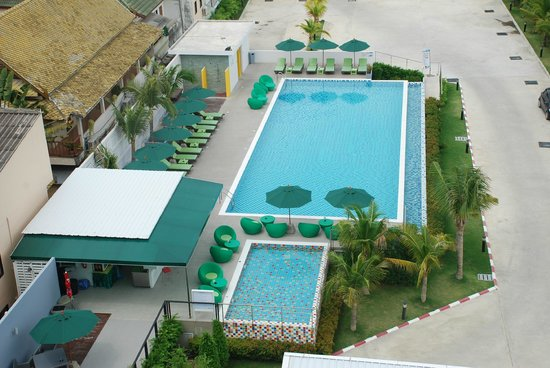 Samui Verticolor: Pool View